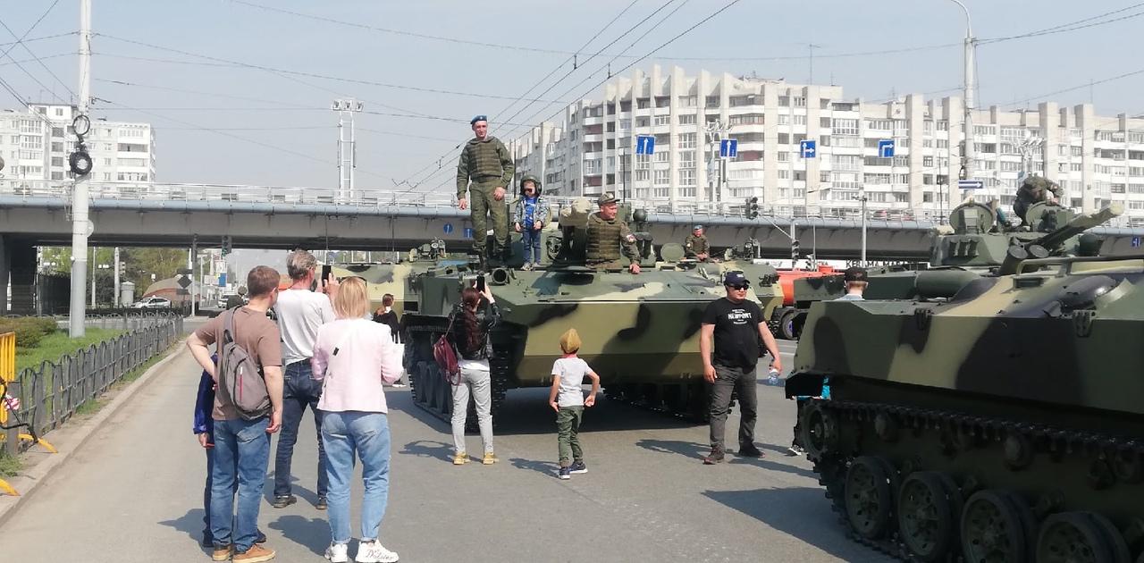 Выставка военной техники, мастер-классы и «Бессмертный полк» на воде: что посмотреть омичам 9 Мая? #Новости #Общество #Омск