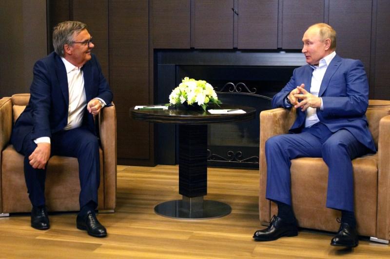 Путин обсудил с Фазелем победу «Авангарда» в Кубке Гагарина #Новости #Общество #Омск
