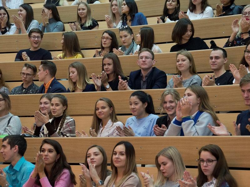 На следующий год в омских вузах будет 9,5 тысячи бюджетных мест #Новости #Общество #Омск