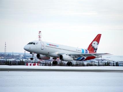 Самолет не смог приземлиться в Омске из-за сильного ветра #Новости #Общество #Омск