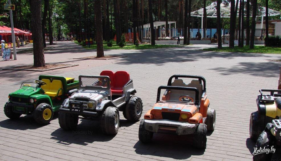 Из главного парка Омска пропали 10 детских электромобилей #Новости #Общество #Омск