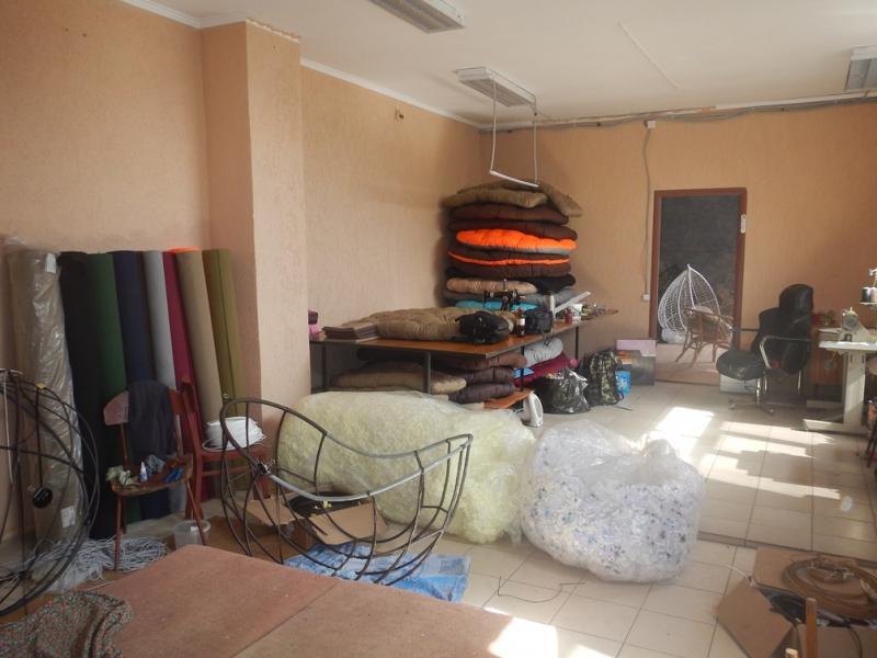 Омич обчистил мебельный цех и на улице стал приставать к прохожим #Новости #Общество #Омск