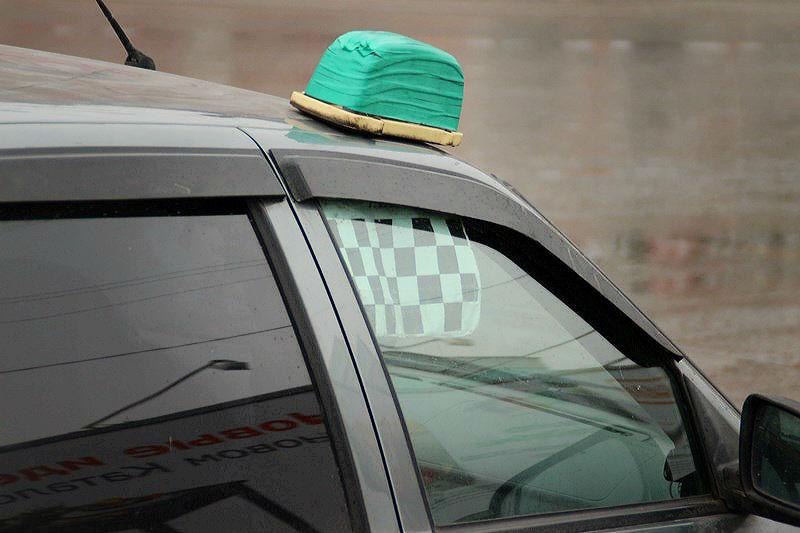 В Омске таксист проломил череп пассажиру #Омск #Общество #Сегодня