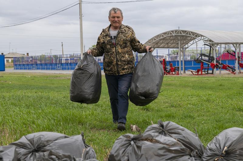 В этом году уже более тысячи омичей поучаствовали в общественных работах #Новости #Общество #Омск