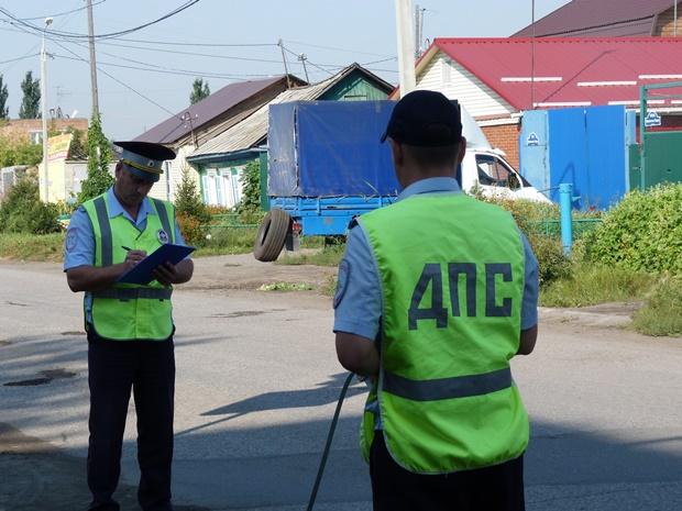 В Омской области пьяный водитель без прав вместе с пассажиром оказался в кювете #Новости #Общество #Омск