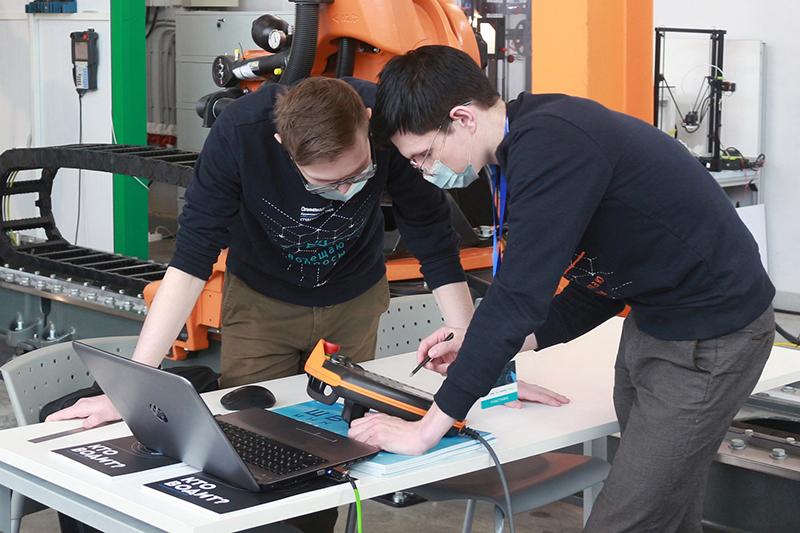 Омские студенты стали призерами престижного турнира по робототехнике
