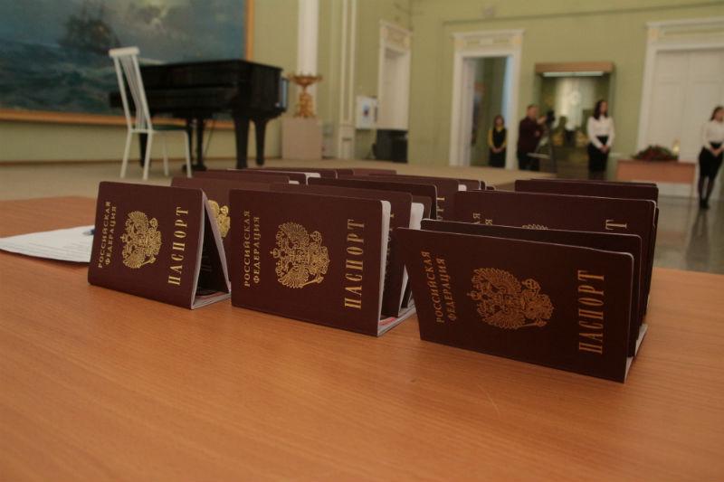 Омичи смогут прописаться через госуслуги и всего раз прийти в паспортный стол #Омск #Общество #Сегодня