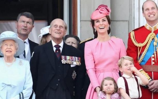 СМИ узнали, к кому перешли дела умершего британского принца Филиппа