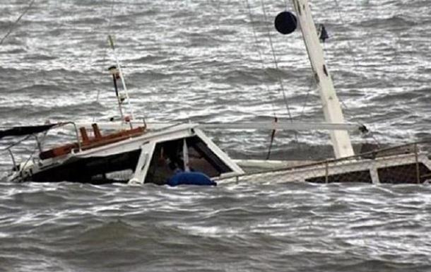 В Нигерии опрокинулось пассажирское судно, десятки пропавших без вести