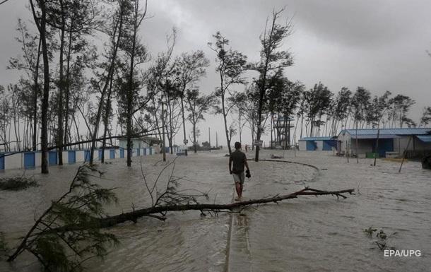 На Индию обрушился новый циклон, есть жертвы