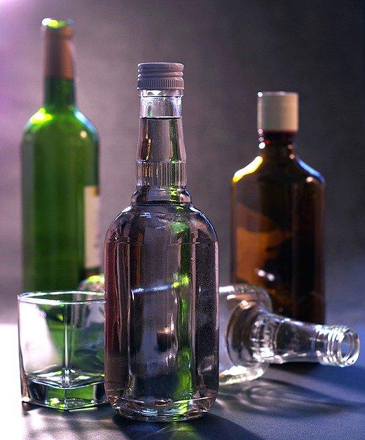 Красиво жить не запретишь: омич совершил серию краж элитного алкоголя #Омск #Общество #Сегодня
