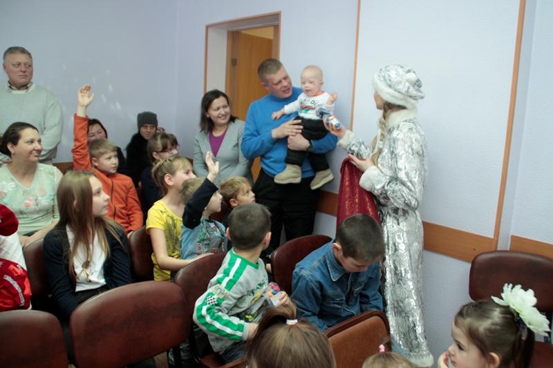 Омские семьи с детьми получили 58 млрд рублей #Омск #Общество #Сегодня