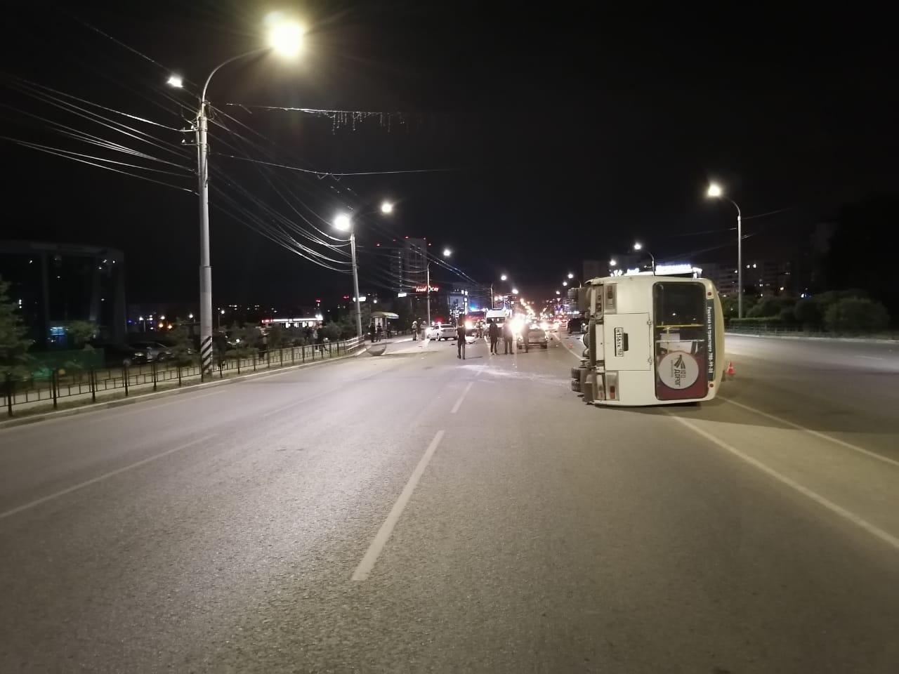 В Омске автобус с детьми попал в серьезное ДТП: пострадали 4 человека #Новости #Общество #Омск