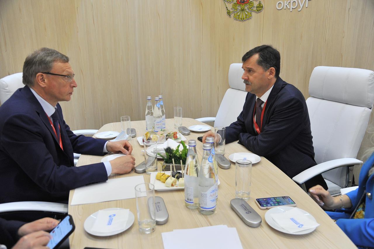 Бурков обсудил возобновление авиарейсов из Омска в Казахстан #Омск #Общество #Сегодня