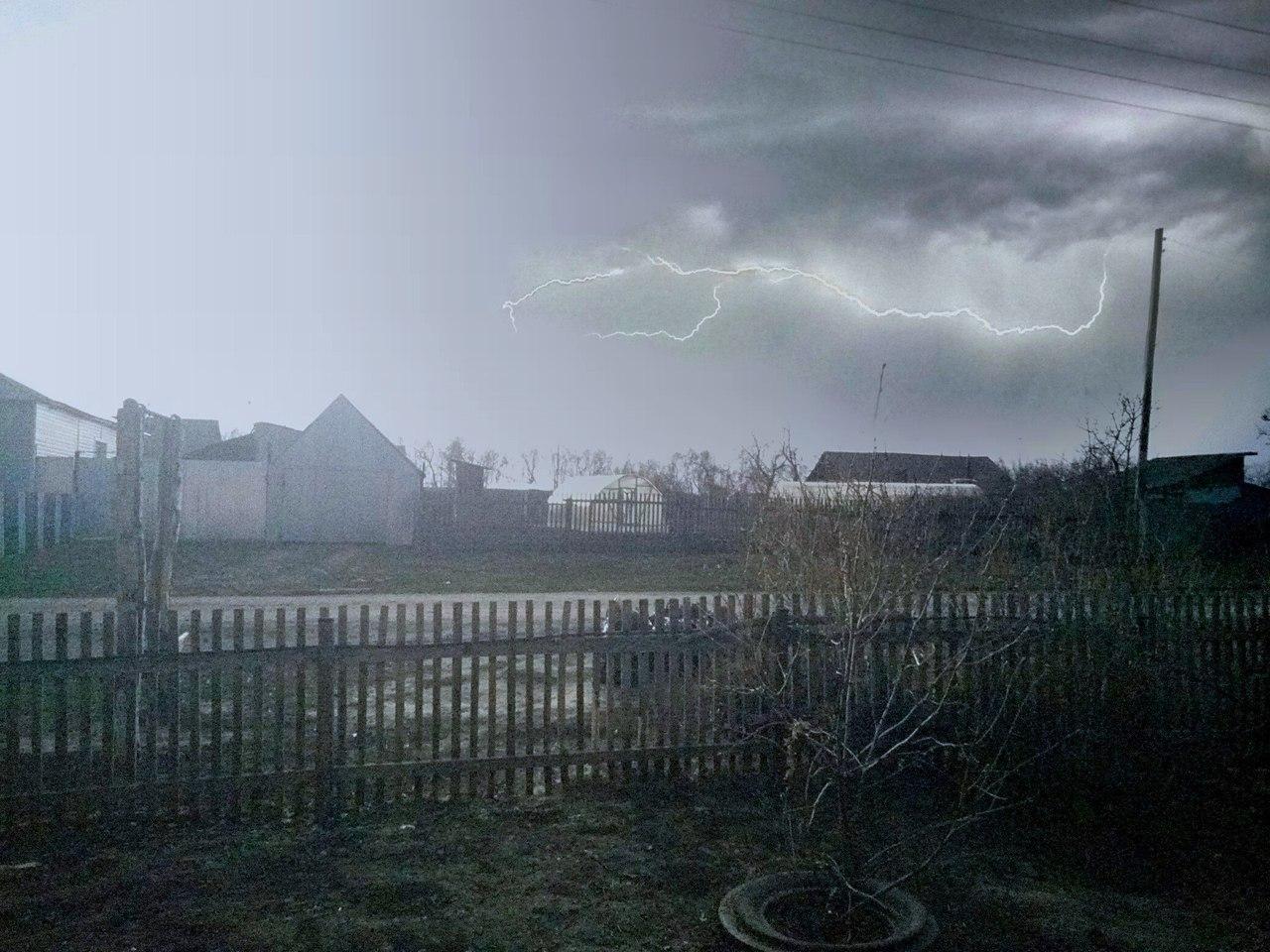 В Омскую область придет похолодание, гроза и мощный ветер #Омск #Общество #Сегодня