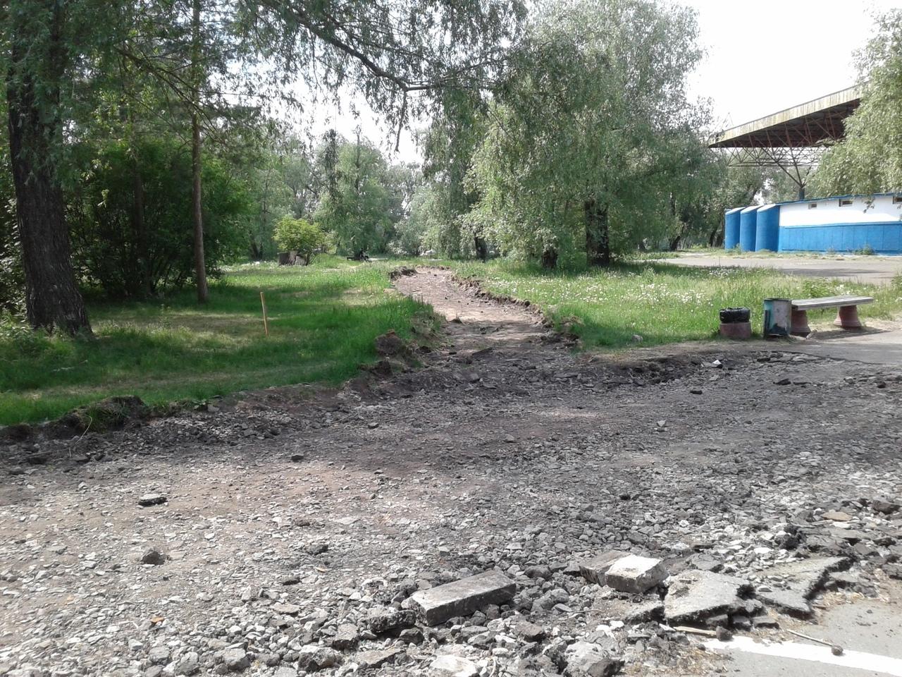 Фадина посетила разбомбленный «Зеленый остров» и обещала привезти туда свою дочь #Новости #Общество #Омск
