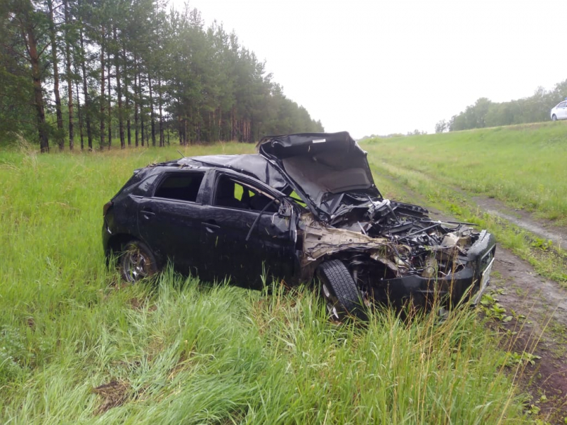 На омской трассе водитель иномарки вылетел в кювет и разбился насмерть #Омск #Общество #Сегодня