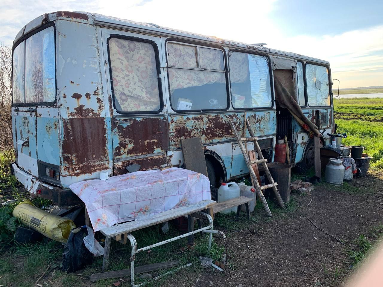 Жителям сгоревшей в Омской области деревни не построят жилье, как обещали #Омск #Общество #Сегодня