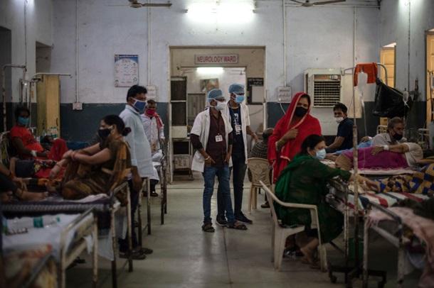 Индия выбралась из пропасти. Но ждет третью волну