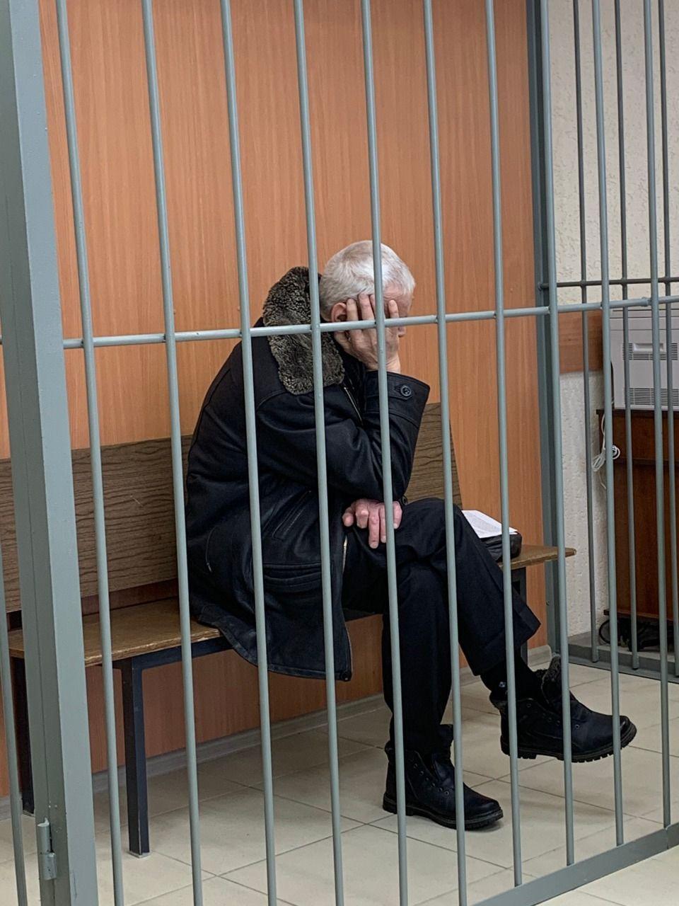 Убийцу омского ветерана отправили в тюрьму на 9,5 года #Омск #Общество #Сегодня