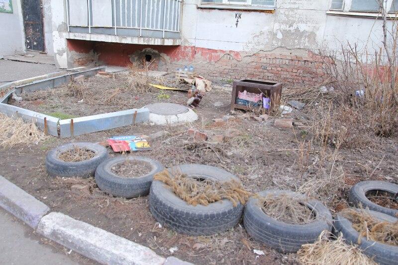 Из омских дворов предложили убрать все покрышки #Омск #Общество #Сегодня