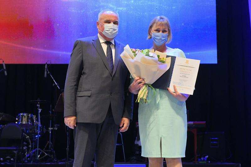 В Омской области наградили лучших социальных работников #Новости #Общество #Омск