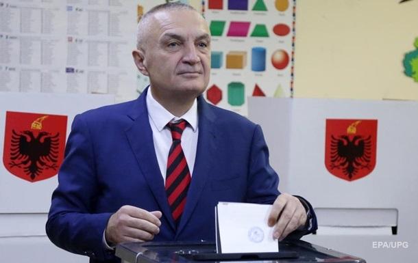 В Албании президенту объявили импичмент