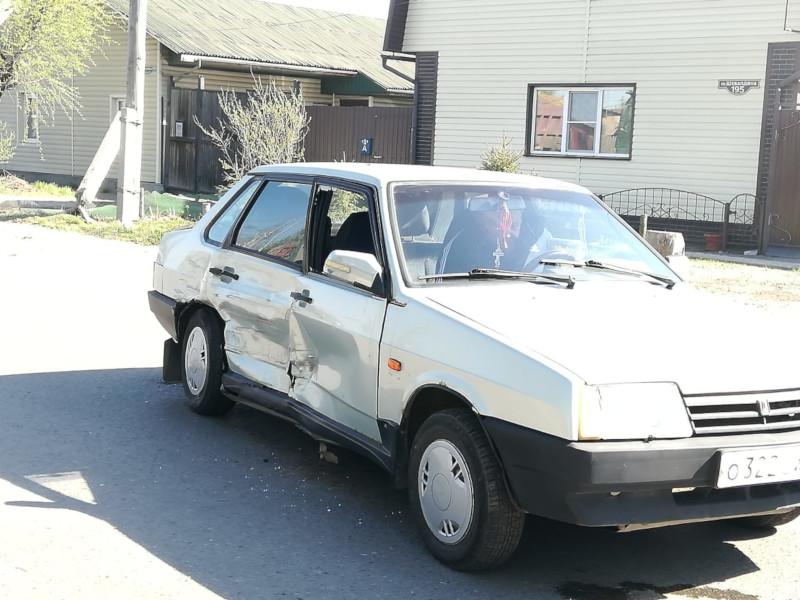 Топорная работа: омич забрал чужую машину, но проехал всего 20 метров #Омск #Общество #Сегодня