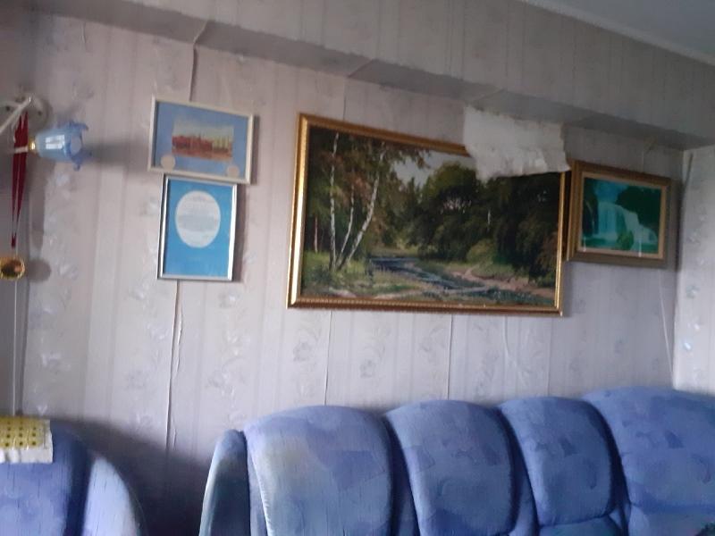 «Залило все»: погорельцы омской пятиэтажки могут остаться без крыши над головой #Омск #Общество #Сегодня