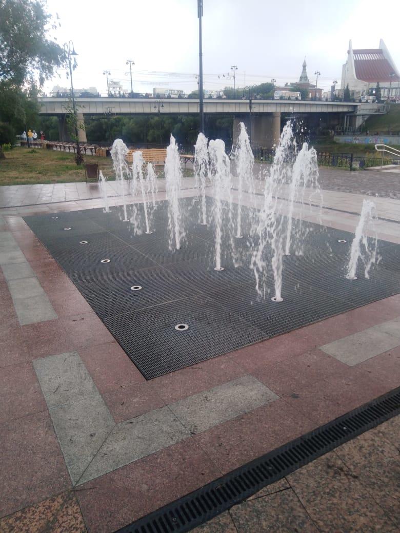 «Сухой» фонтан в центре Омска возобновил работу #Новости #Общество #Омск