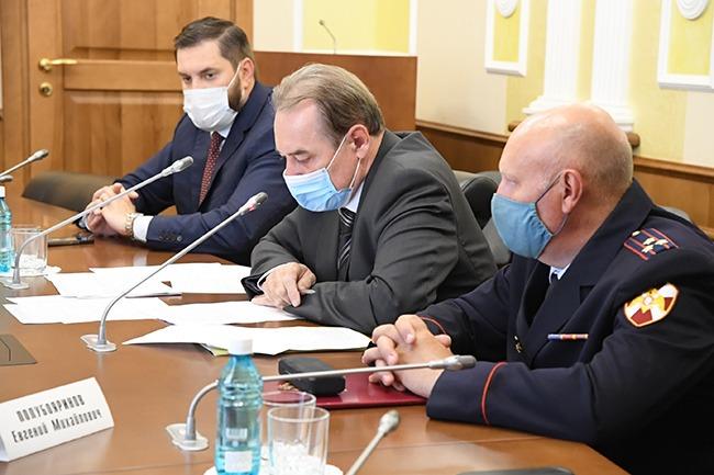 «Ковидные» ограничения в Омской области могут ужесточить уже через неделю #Омск #Общество #Сегодня
