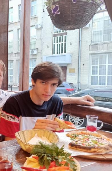 В Омске пропал студент в футболке с флагом США #Омск #Общество #Сегодня