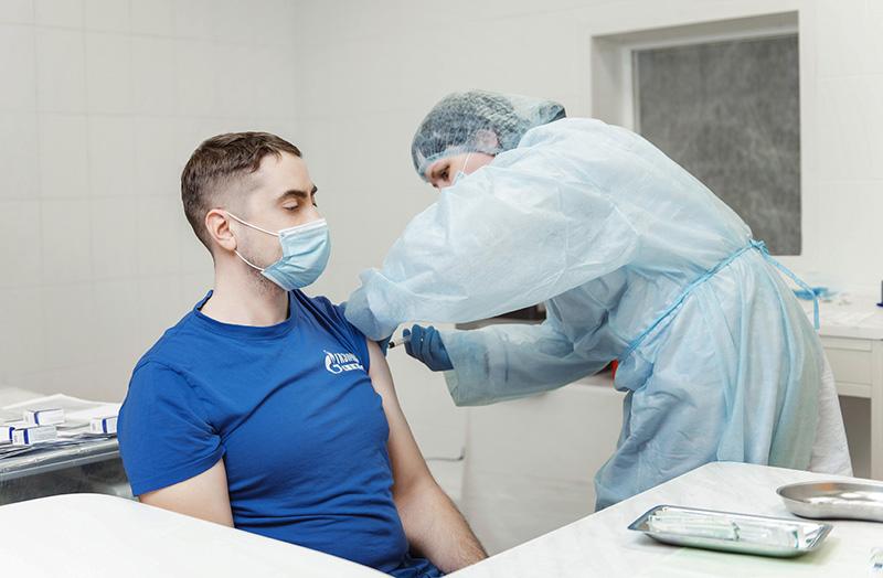 Омичам предложили давать выходной за вакцинацию от ковида #Омск #Общество #Сегодня