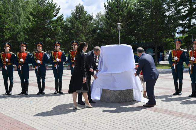 В Омске заложили камень в основание стелы «Город трудовой доблести» #Омск #Общество #Сегодня