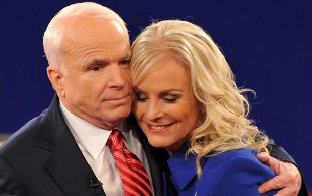 Байден выдвинет вдову Маккейна на должность представителя США при ООН