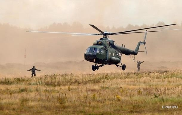 В Польше вертолет упал в озеро: пострадали украинцы