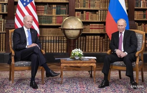 Байден поговорил с Путиным о российских хакерах