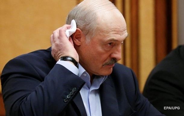 Лукашенко разрешил применять армию против митингующих