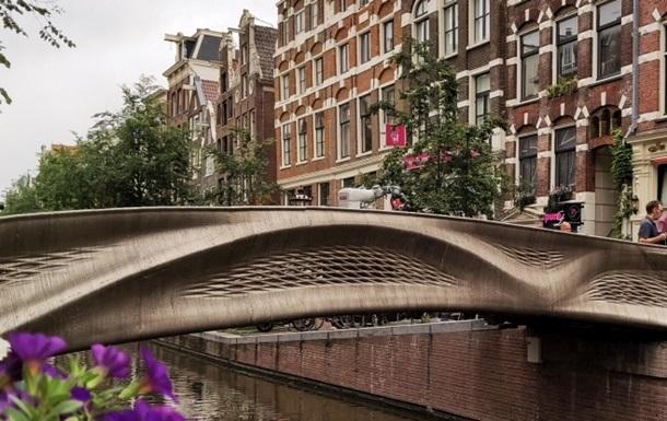 В Нидерландах открыли стальной мост, напечатанный на 3D-принтере