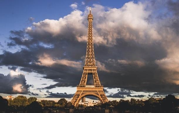 Эйфелеву башню открыли для посетителей впервые за восемь месяцев