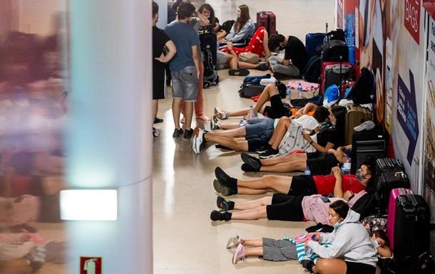 В Португалии отменили сотни авиарейсов из-за забастовки