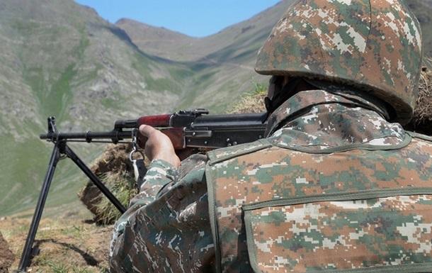 Азербайджан заявил о ранении военного на границе с Арменией
