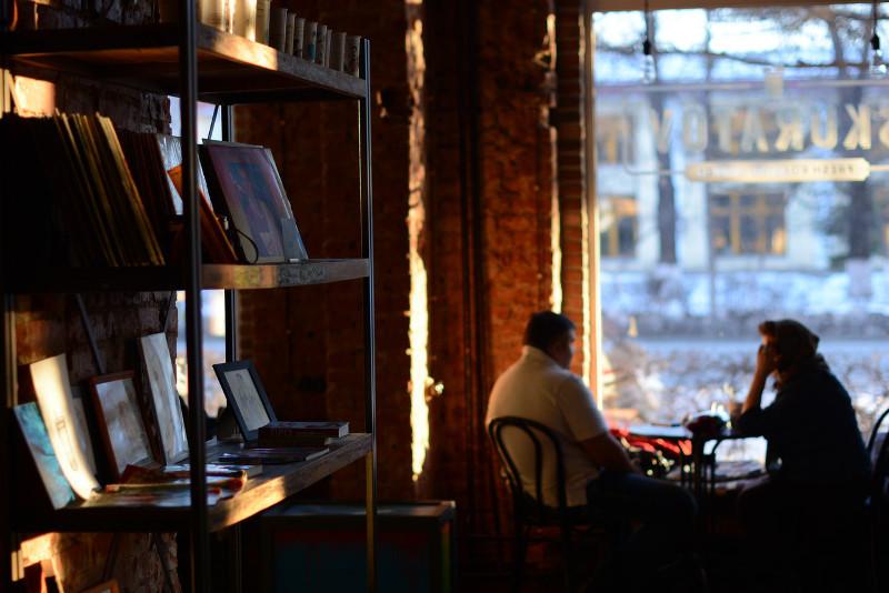 Омскую сеть кофеен оштрафовали за нарушение антиковидного режима