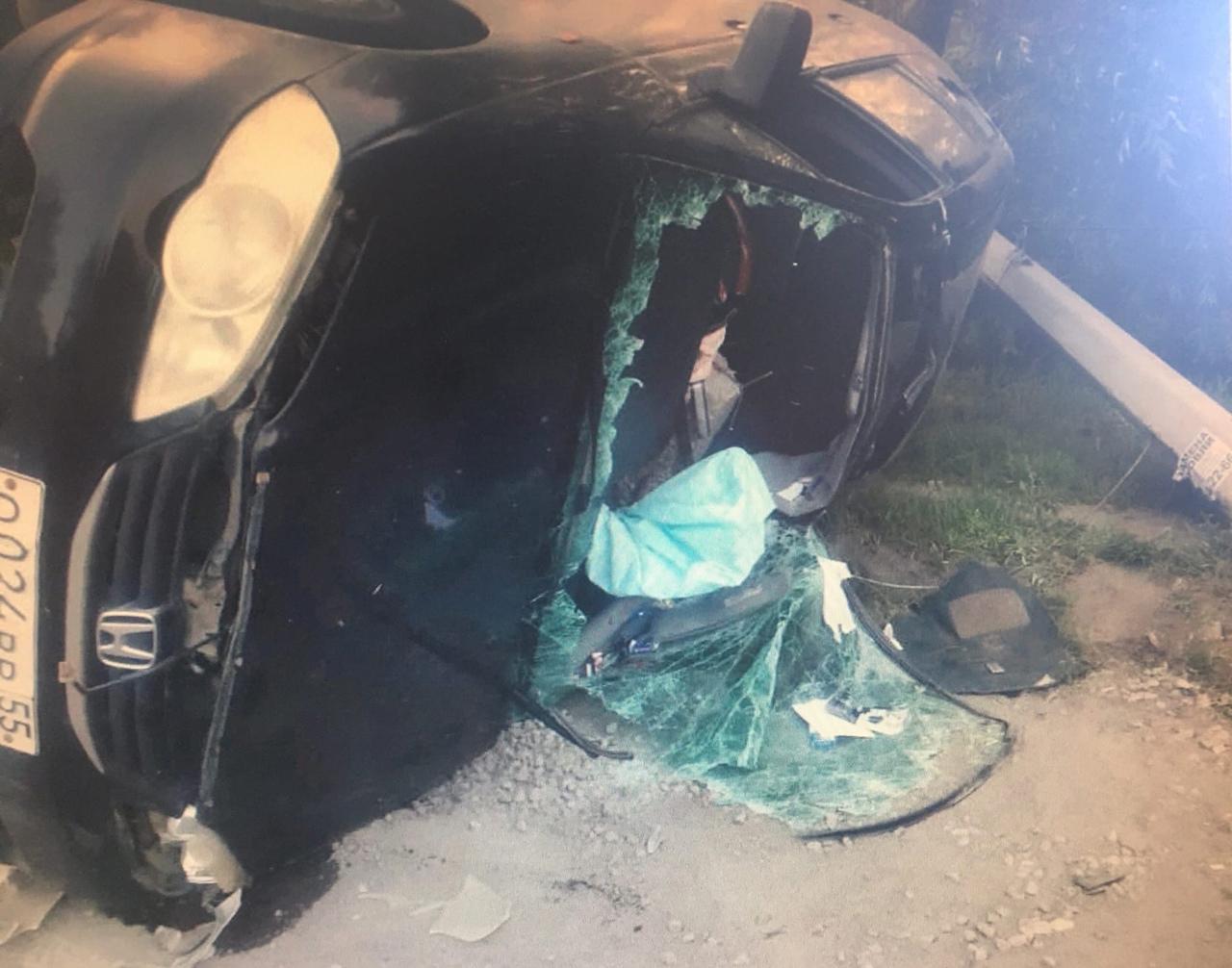 Пьяный омич сел за руль, врезался в столб и перевернулся #Новости #Общество #Омск