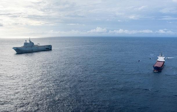 На яхте в Атлантическом океане нашли тонну кокаина
