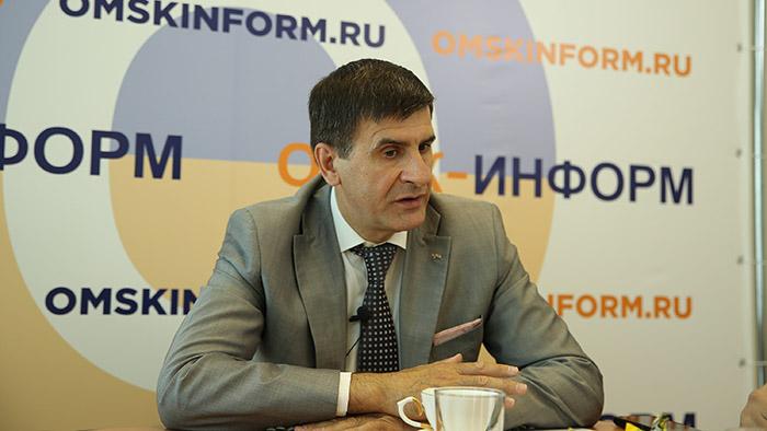 Игорь ЗУГА: «Выпускникам омских школ не нужно уезжать в столичные вузы» #Омск #Общество #Сегодня