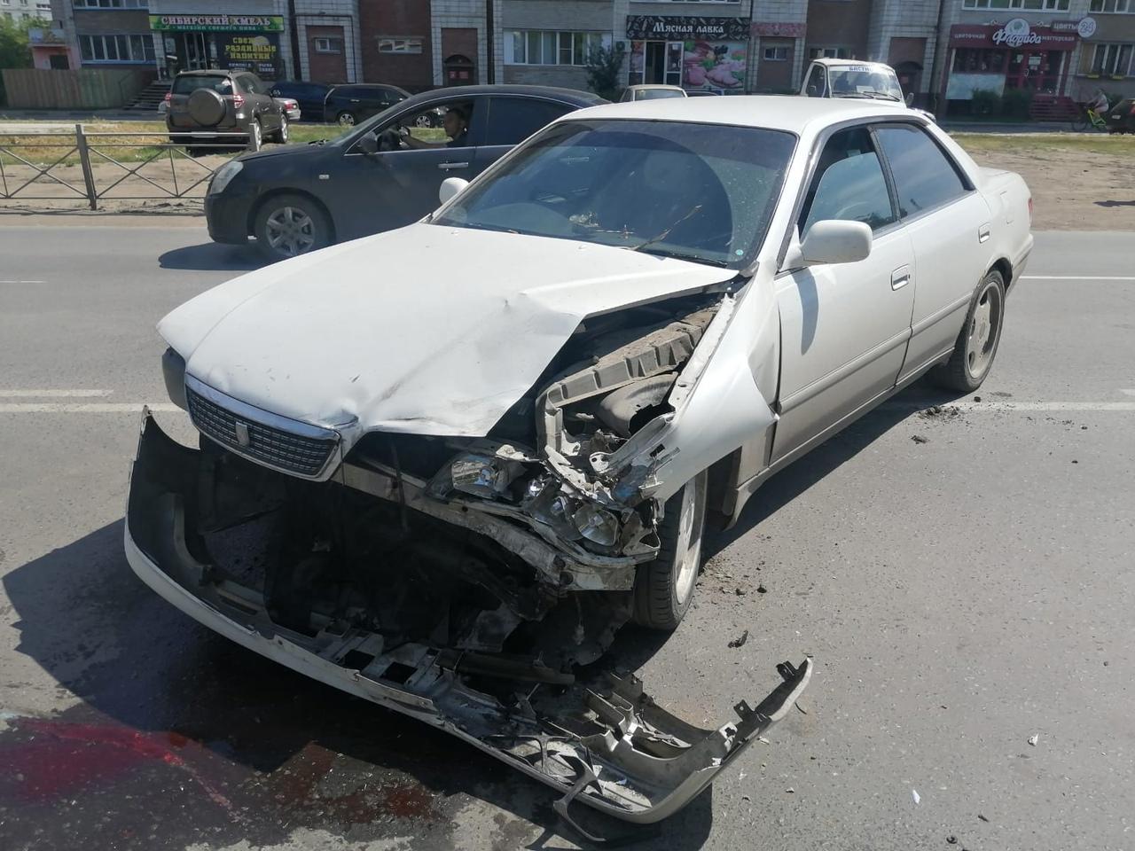 В Омске разбился мотоциклист без прав #Новости #Общество #Омск
