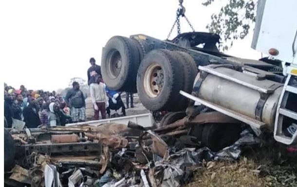 В Малави столкнулись автобус и два грузовика, 21 жертва
