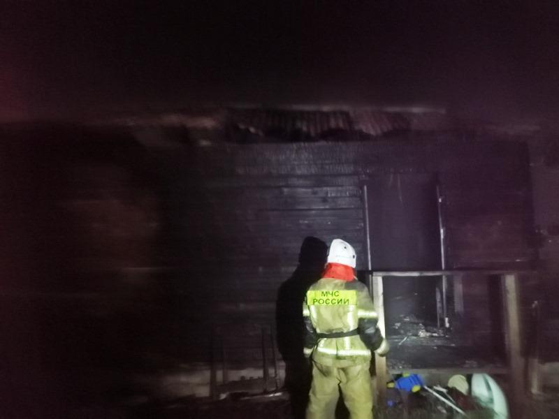 Пожар под Омском унес жизни двух детей и их матери #Новости #Общество #Омск