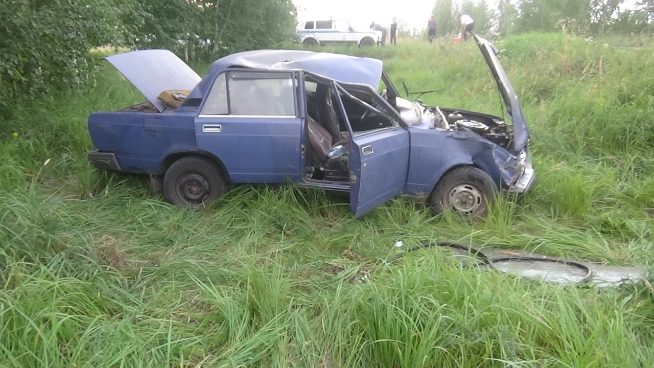 В Омской области 16-летняя девушка без прав села за руль и попала в больницу #Новости #Общество #Омск